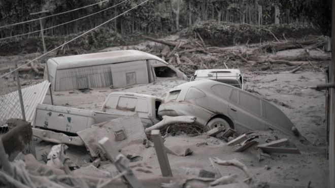 La aldea de San Miguel Los Lotes, en la que viven unas 400 personas, quedó totalmente arrasada por la lava y las cenizas.