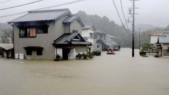 Casas inundadas.