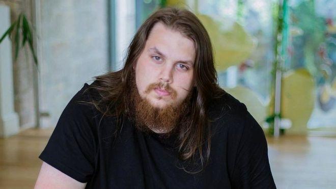 😱 Este adicto a los videojuegos pasó 7 años encerrado en su casa jugando en pijamas
