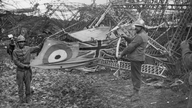 R101 airship disaster story to...