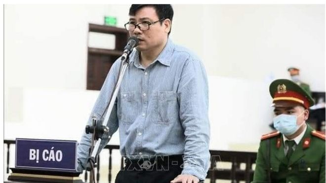 Blogger, nhà báo Trương Duy Nhất tại phiên tòa sơ thẩm ngày 9/3.