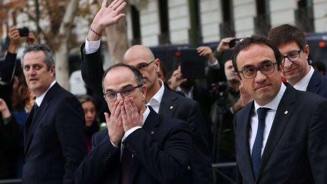 أعضاء في حكومة كتالونيا المقالة