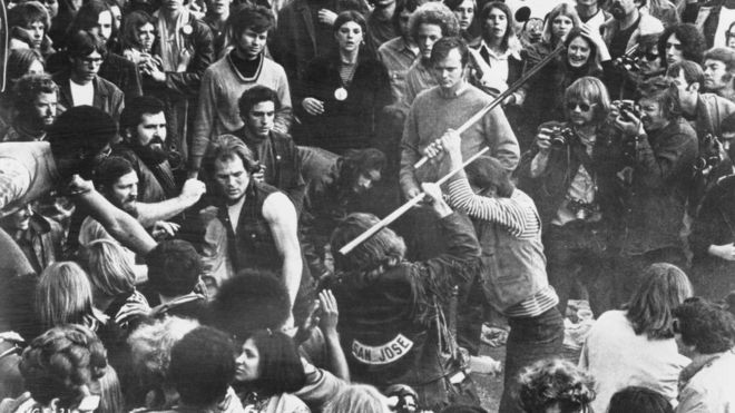 Трагедия на рок-концерте в Альтамонте - конец эры мира и любви или ее разоблачение?