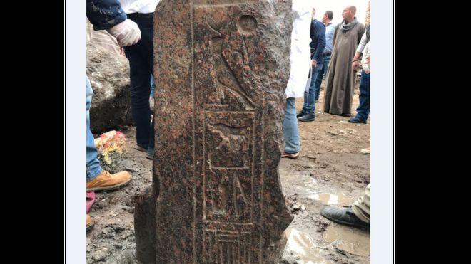 مصر تكشف عن تمثال نادر للملك رمسيس الثاني