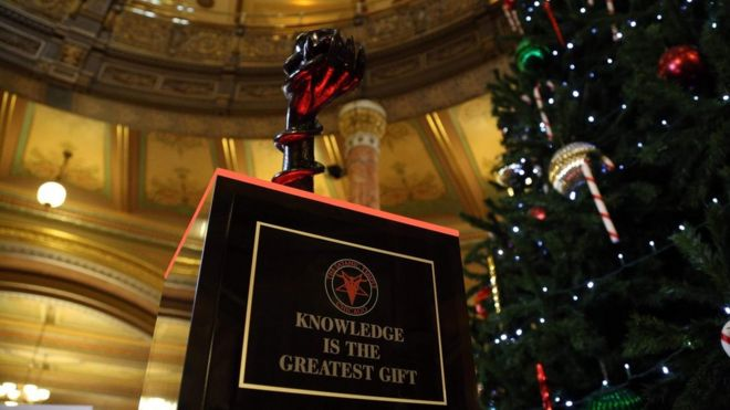 Satanic statue in place at Illinois' statehouse