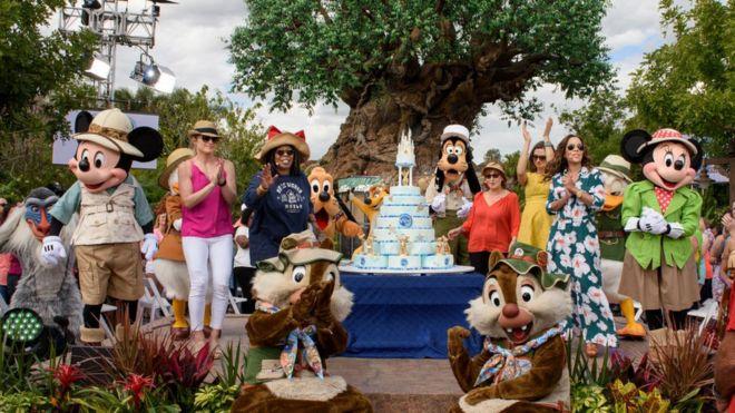 ABD'deki başka bir eğlence parkı World Disney Dünyası da 3'üncü sırada