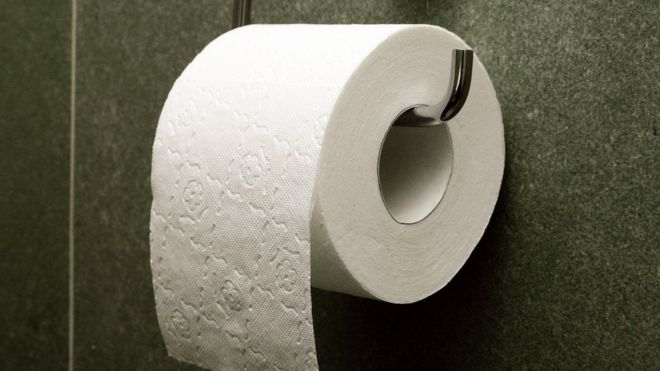 Iceland toilet roll \'price war\' wipes out jobs - BBC News