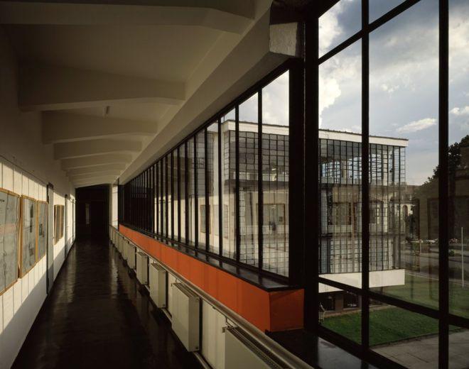 Interior de la escuela de Bauhaus en Dessau.
