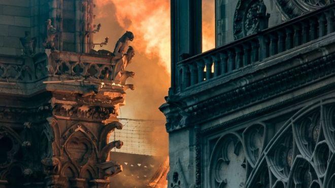 Incêndio em Notre-Dame