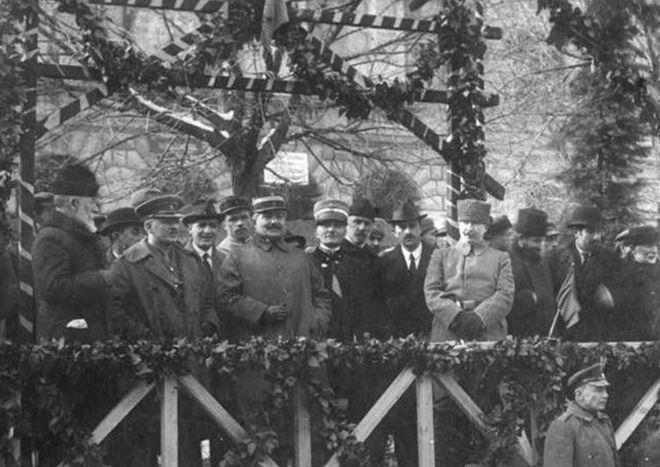 نمایندگان بینالملل دوم احزاب سوسیالیست و کارگری در بازدید از جمهوری دمکراتیک گرجستان، ۱۹۲۰