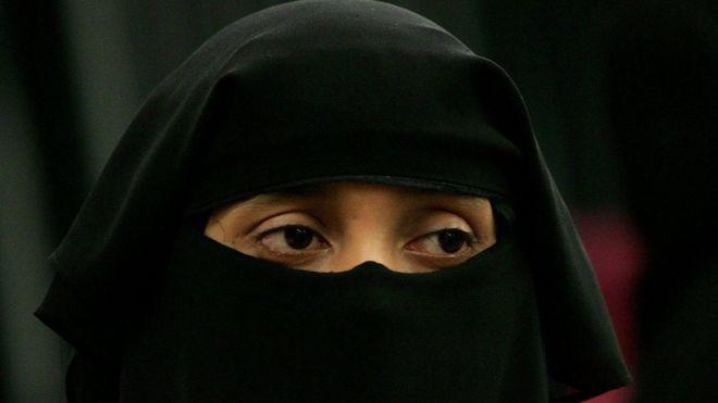 Британская «Партия независимости» UKIP требует ввести запрет на хиджабы