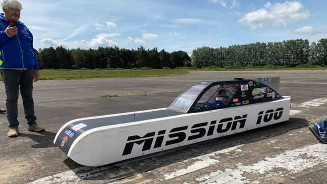 Land Speed Record >> Land Speed Record Hopefuls Take To Pendine Sands Bbc News