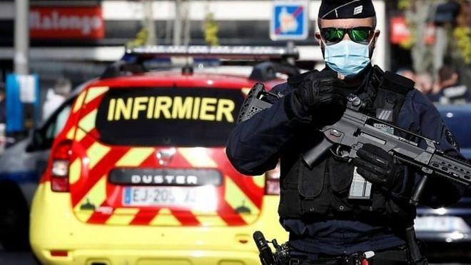 """هجوم """"إرهابي"""" يسفر عن مقتل ٣ أشخاص في نيس"""