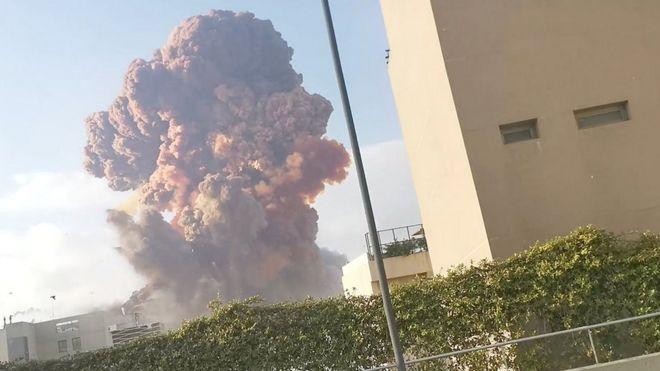 Мощный взрыв в Бейруте