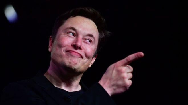 El sábado pasado, Elon Musk amenazó con trasladar la planta estadounidense a otro estado si eso le permitía retomar la producción.