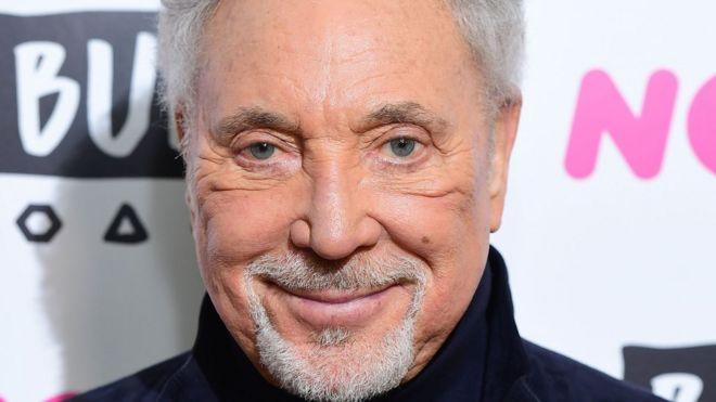 Sir Tom Jones 'determined' to return to performing - BBC News