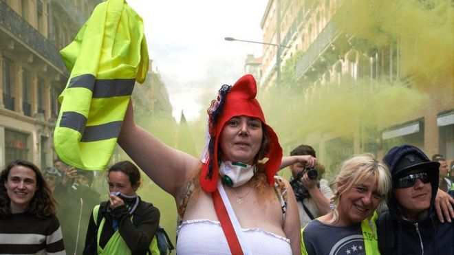 Gilets Jaunes Anger Of Yellow Vests Still Grips France A
