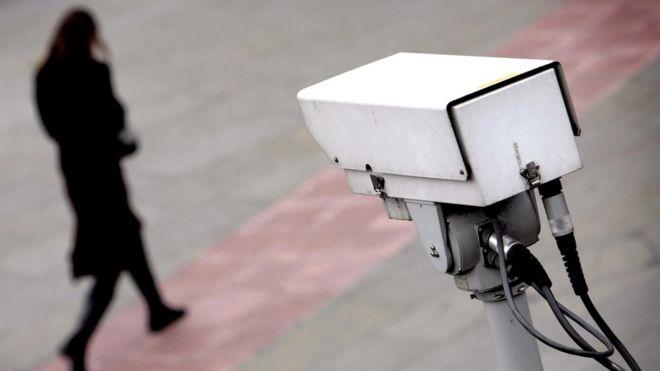 """В романе """"1984"""" экраны телевизоров превратились в экраны слежения за всем, что происходило в домах людей. Сегодня таковыми стали вездесущие социальные сети, а не камеры наружного слежения, как того опасались еще некоторое время назад"""