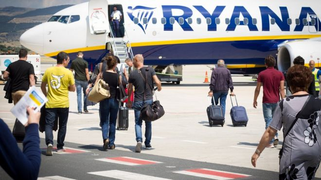 Italy opens probe into Ryanair hand luggage charges - BBC News 0f5100df56