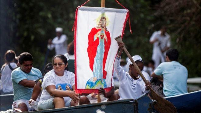 Procissão católica no Pará