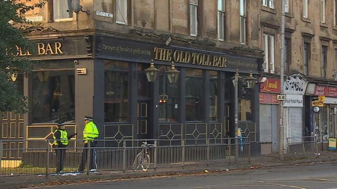 Three Arrests After Stabbing Outside Pub In Glasgow Bbc News