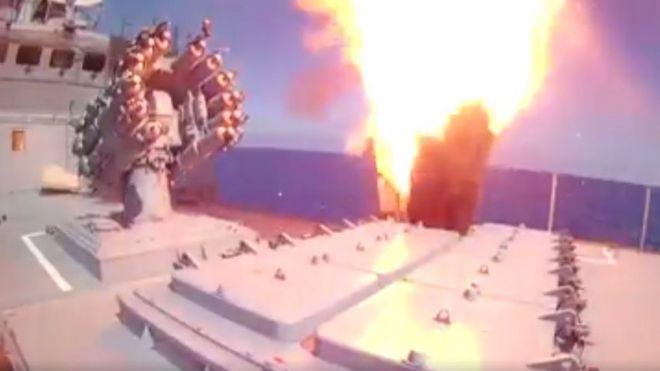 Rusya Savunma Bakanlığı, yapılan operasyonun görüntülerini Facebook sayfasından paylaştı.