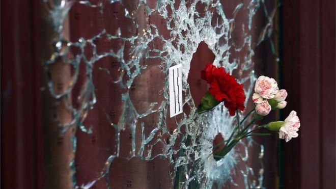 Paris attacks: UN backs 'all necessary measures' against IS