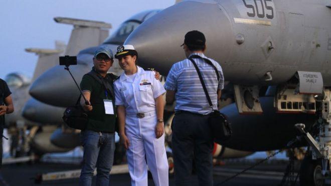 Việt Nam, Hoa Kỳ, USS Carl Vinson