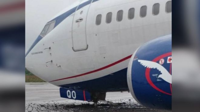 Air Peace plane jump off runway afta rain for Lagos Airport