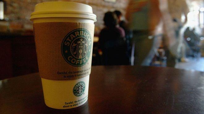 Starbucks'ta kahve bardağına 'Ayşe' yerine 'IŞİD' yazılan Müslüman kadın dava açtı