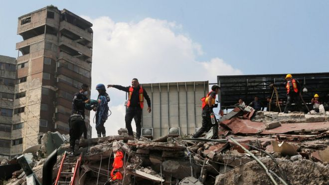 Mexico earthquake: Why did only some buildings collapse? - BBC News