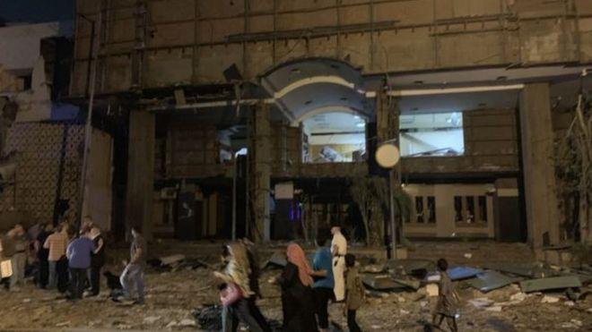 انفجار معهد الأورام: تشييع 17 مصريا من عائلة واحدة قتلوا في الحادث