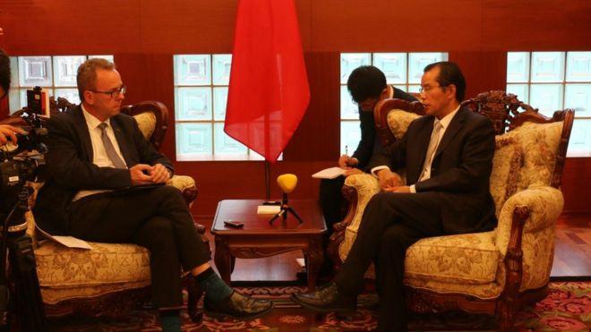 中国驻瑞典大使桂从友接受瑞典《快报》记者专访