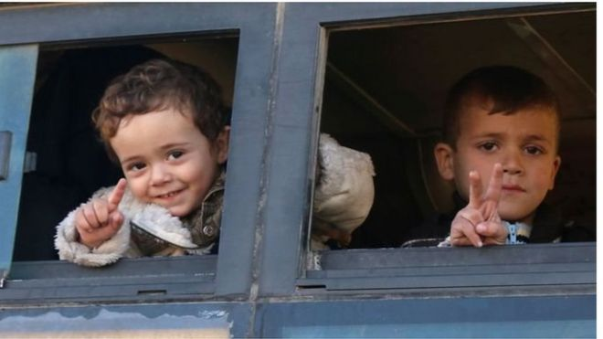 Watoto wakifurahia kuondoka Mjini Aleppo