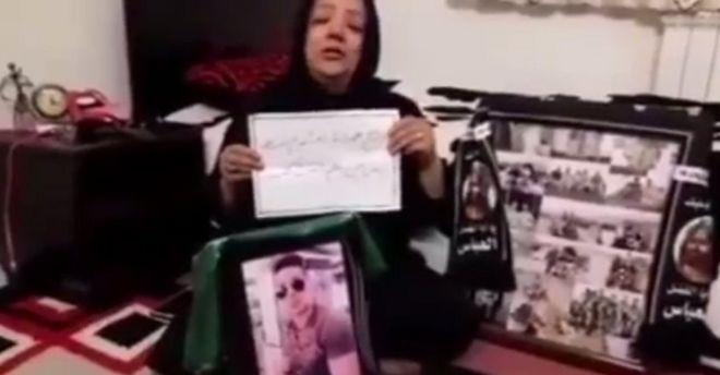 در فیلمی که پرویز پرستویی، هنرپیشه ایرانی، بازنشر کرده بود، مادر بهمن ورمزیار از مسئولان تقاضای بخشش داشت