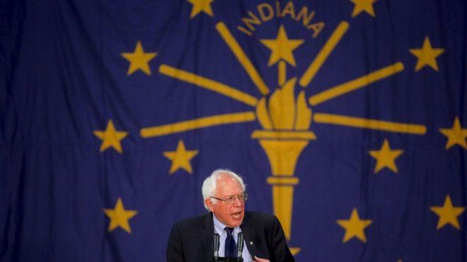 Кандидат в президенты США от демократов Берни Сандерс выступает на предвыборном мероприятии