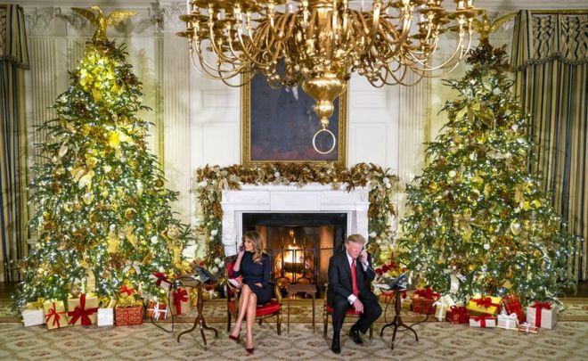 Trump Christmas.Trump To Child Do You Believe In Santa Bbc News