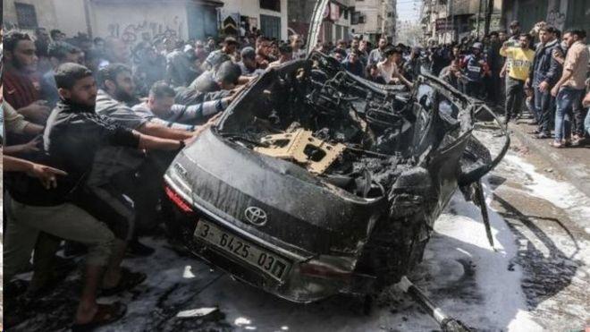 یک خودرو که ظاهرا متعلق به شبه نظامیان حماس است. این یکی از اهداف نیروهای اسرائیلی در حملات امروز بود