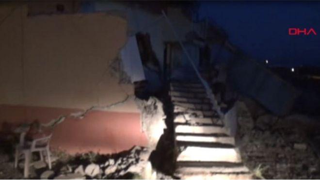 Adıyaman'da 5.4 büyüklüğünde deprem: 13 kişi yaralandı, yıkılan binalar var