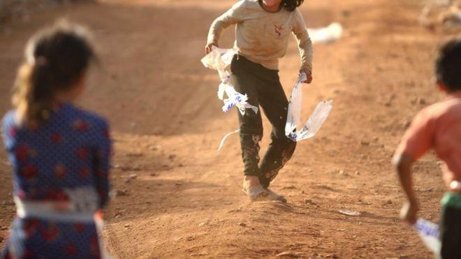 Crianças australianas de militantes do IS resgatados do campo da Síria