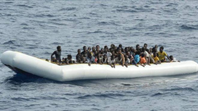 Il y a environ cent femmes et une vingtaine d'enfants parmi les migrants.