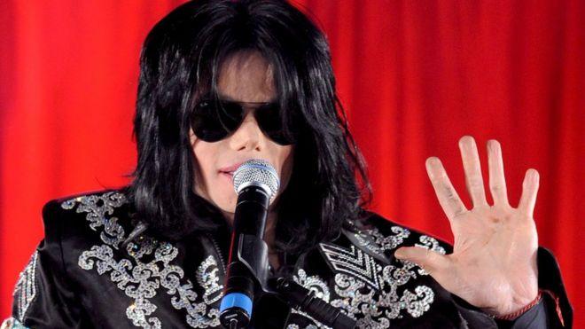 Michael Jackson's name has been taken out of Quincy Jones' show