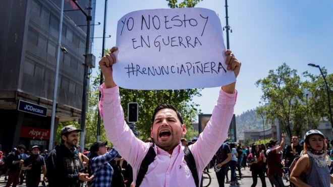 Resultado de imagen para las manifestaciones en chile y piñera