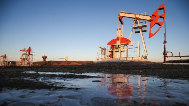 Нефть за месяц подешевела на четверть. Что происходит?