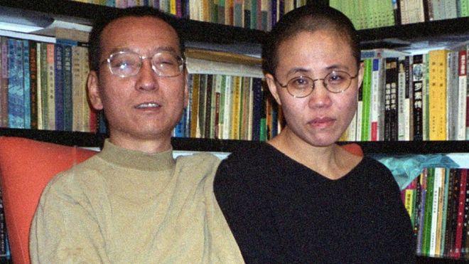 Ông Lưu Hiểu Ba và vợ, Lưu Hà - ảnh chụp tháng 10/2002