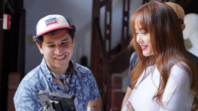 Mauricio Osaki và các nghệ sĩ tham gia video Bao la Việt Nam