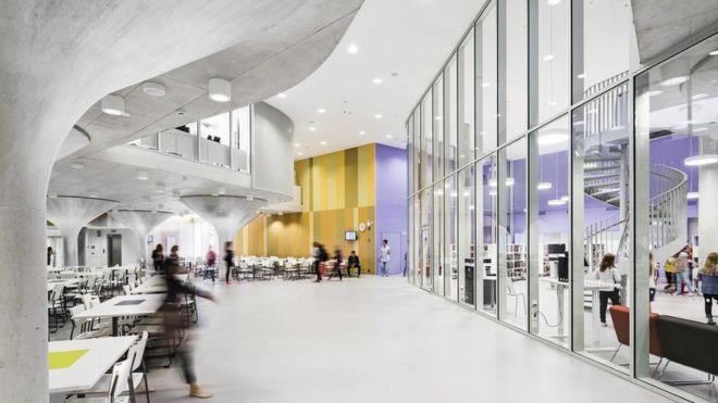"""Por qué Finlandia, el país con la """"mejor educación del mundo"""", está transformando la arquitectura de sus escuelas"""