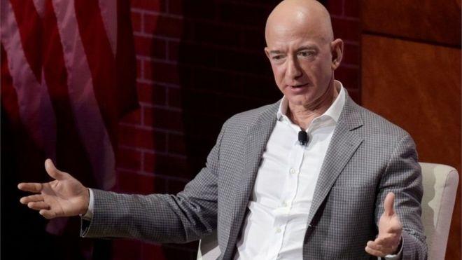 جيف بيزوس رئيس أمازون يتبرع بملياري دولار لأعمال الخير