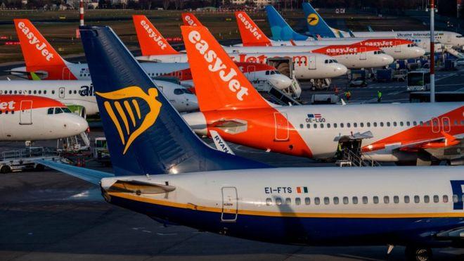 Самолеты в берлинском аэропорту Тигель