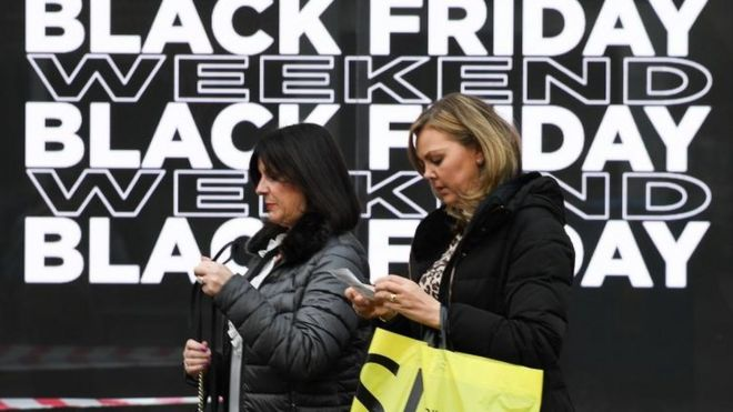 0aa1bfb92 Black Friday shoppers  spending less  - BBC News